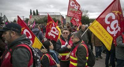 Sindicatos vuelven a salir a las calles francesas en protesta contra la reforma de las pensiones