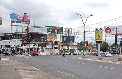 Comuna asuncena inicia campaña para retirar cartelería irregular