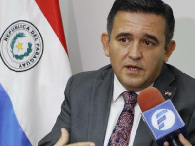 Eduardo Petta pide perdón y asegura que los libros con errores no llegarán a los alumnos