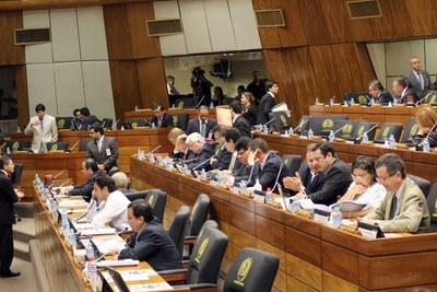 Diputados aprueban proyecto de ley de financiamiento político