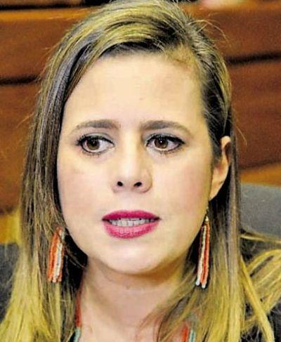 """""""Espero que el Juzgado entienda que él cometió un gravísimo error"""", dice Kattya González sobre caso de Miguel Cuevas"""