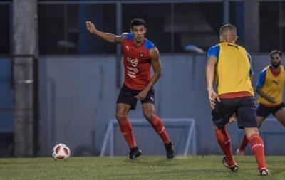 Dos Santos se baja del viaje a Ecuador