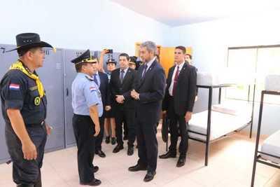 Gobierno habilita instalaciones para la formación y alojamiento de agentes policiales