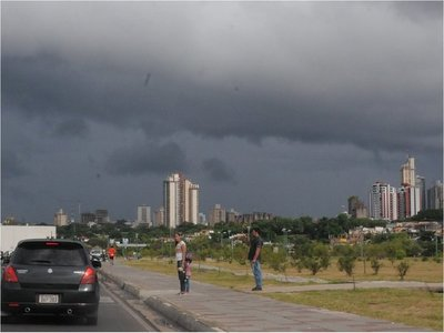 Un boletín especial advierte sobre fuertes tormentas para este martes