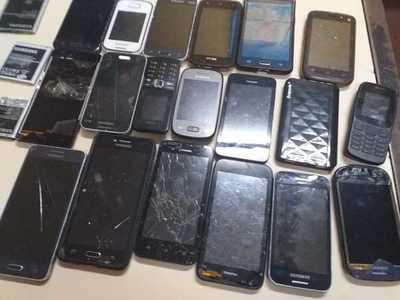 Incautan 19 celulares durante requisa en Tacumbu