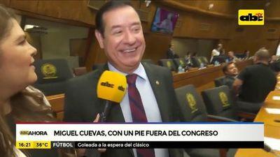 Miguel Cuevas, con un pie fuera del Congreso