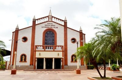 Obispo Collar ombohape  peteî Vicaria zonal Ñe'êmbukúpe