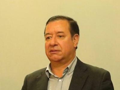 'No puede justificar cómo tiene tanto dinero', dice abogado denunciante contra Cuevas