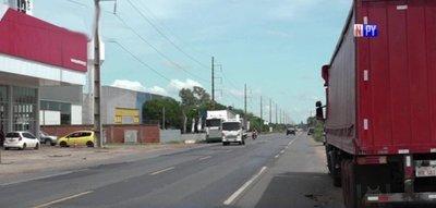 Motochorros en acción: Se llevan G. 50 millones de un camión repartidor