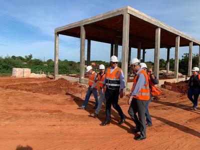 Obras de alcantarillado en San Lorenzo avanzan empleando a más de un centenar de obreros