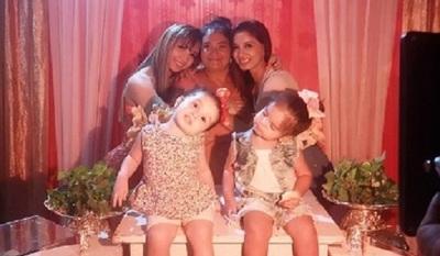 Marilina y Mariela sorprendieron a su mamá en el día de su cumpleaños
