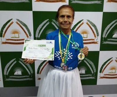 Esteña se alza con primer puesto en competencia internacional