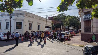 Indígenas de Canindeyú reclaman viviendas frente al MUVH