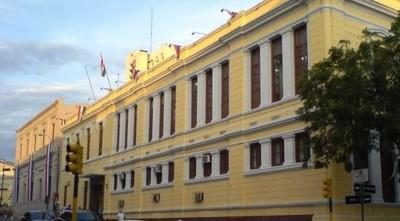 Miembro de FENAES denuncia que directivos no dejan que se inscriba para cursar el año lectivo por supuesta persecución