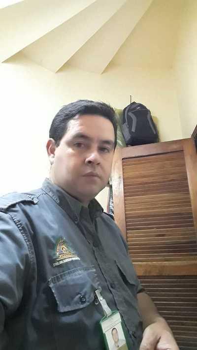 En la UNE echan a un guardia y no le pagan indemnización