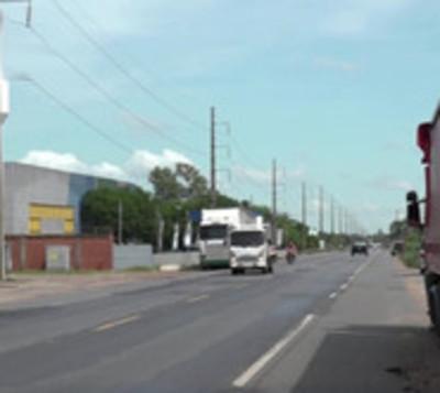 Motochorros se llevan G. 50 millones de un camión repartidor