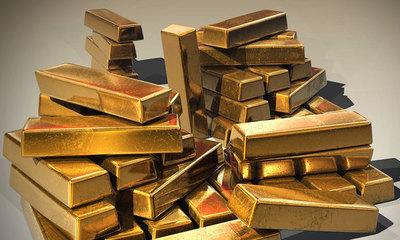 La onza de oro supera los 1.600 dólares de marzo de 2013