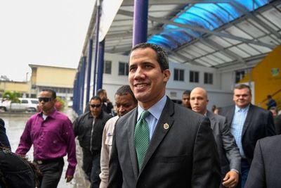 "Guaidó califica de ""victoria"" sanción de EEUU contra filial de petrolera rusa"