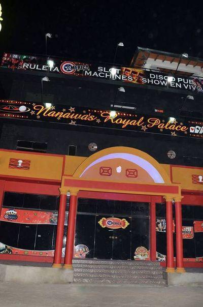 Dos delincuentes roban un casino en Nanawa