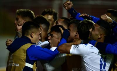 HOY / Un penal agónico clasifica a Vélez a la segunda fase de la Copa Sudamericana