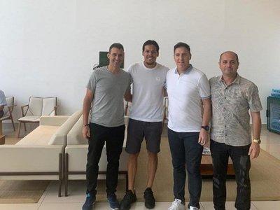 Berizzo visitó a Gómez e irá a Europa