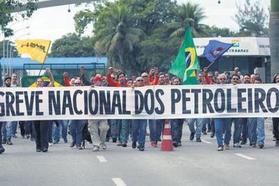 Una masiva huelga en Petrobras agita el fantasma del desabastecimiento