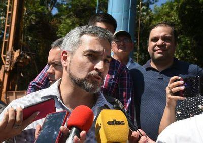 Abdo ordena barrida de planilleros en instituciones públicas