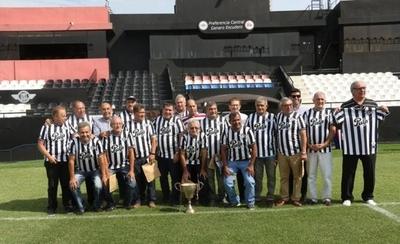 HOY / Libertad rinde homenaje a los campeones del 76