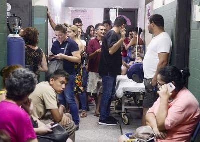 """Pacientes deambulan para """"visar"""" sus reposos y Salud recauda G. 10 millones al día"""