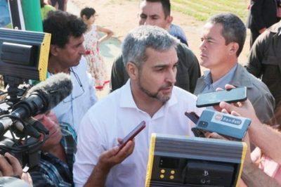 Abdo Benítez llama a construir un diálogo democrático y tolerante con docentes