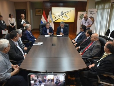 Yacyretá y Senad firman convenio de  cooperación para la lucha contra el narcotráfico