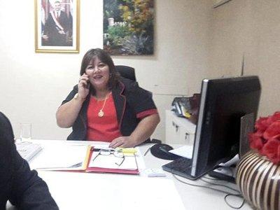 Ministerio de Trabajo apartó a directora que habría presentado títulos falsos