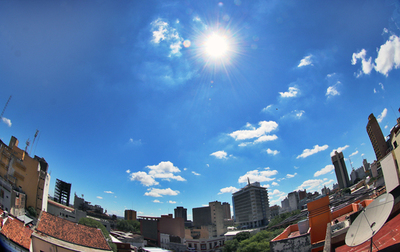 Meteorología anuncia día cálido con lluvias dispersas