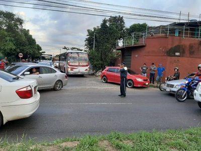 Supuesto delincuente fue atropellado en la avenida Semidei