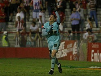 Gatito Fernández clasifica al Botafogo en la Copa de Brasil
