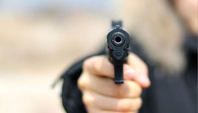 Un hombre murió acribillado en su local comercial en Villeta