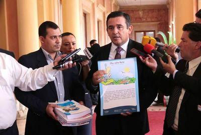 "Denuncian que libros de ""Lengua de Guaraní"" del MEC son 85% en castellano"
