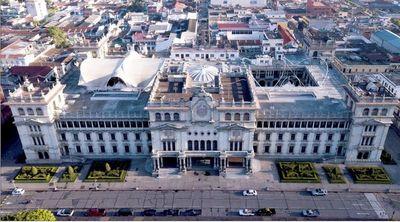 El nuevo presidente de Guatemala, Alejandro Giammattei, detalla sus planes