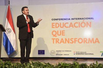 """""""El MEC denigra al Guaraní"""", según Academia"""