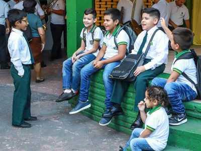 Alumnos de colegios públicos vuelven hoy a clases