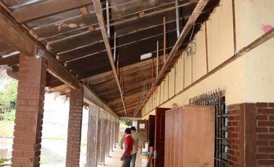 HOY / Inicia año lectivo con educadores con dengue y escuelas deterioradas