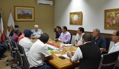 PRODUCTORES YERBATEROS DEL DEPARTAMENTO SE REUNIERON CON EL GOBERNADOR DE ITAPÚA