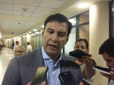 Evaluarán solicitud de Hacienda de flexibilizar el tope del déficit fiscal, anuncia Silvio Ovelar