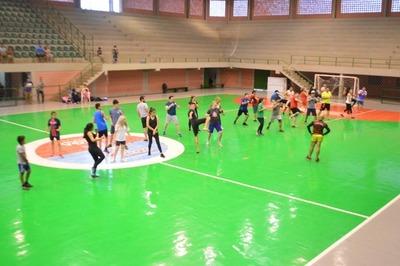 Se inicia clases de Kick Boxing en el Polideportivo Municipal