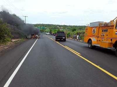 Pastoreo: Choque de vehículos e incendio saldo del fin de semana