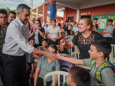 Presidente participó en apertura del año lectivo en San Pedro