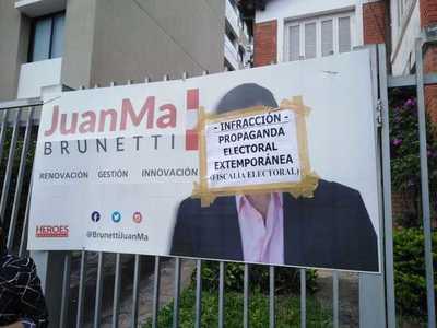 Retiran propaganda electoral ilegal en Asunción