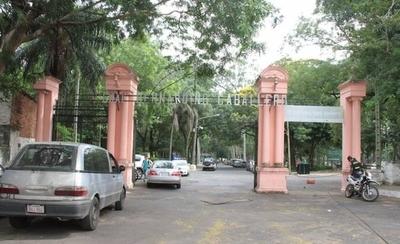 HOY / Mujer fue encontrada muerta en el Parque Caballero: se presume un suicidio