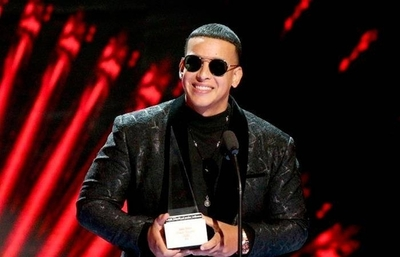 HOY / Daddy Yankee reina en Premio Lo Nuestro con siete trofeos