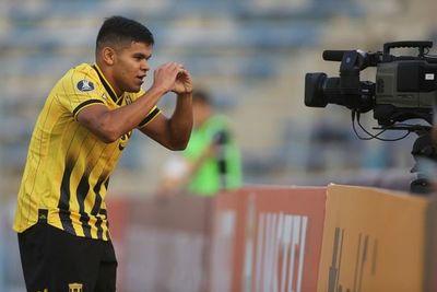 """Guaraní: """"Rodney Redes cada día juega mejor"""", dice Santiago Sosa"""